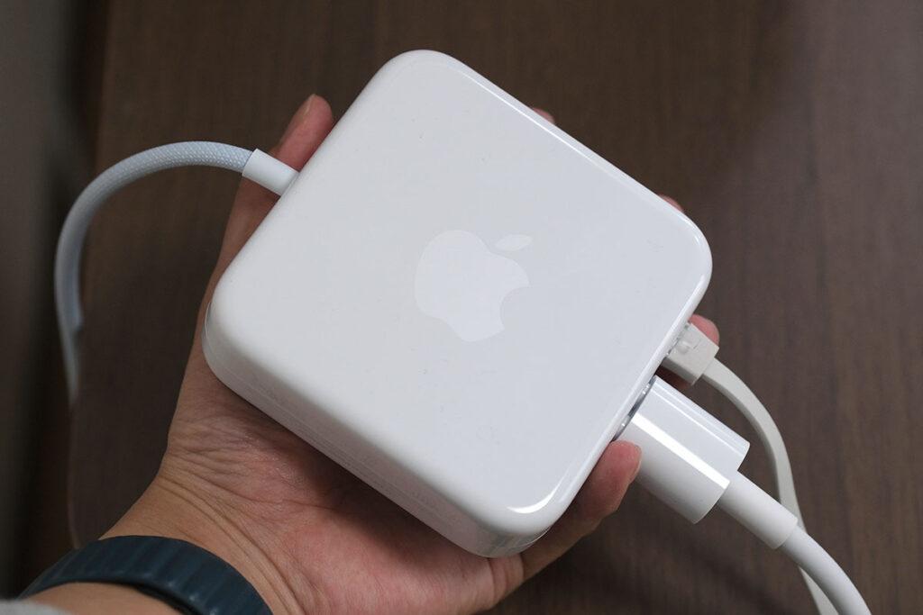 iMac 24インチ 電源アダプタ