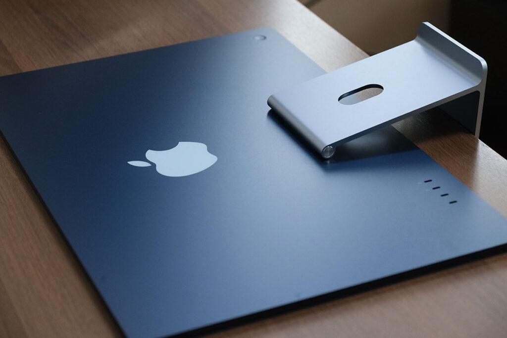 iMac 24インチ 本体の薄さ