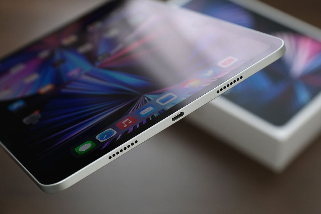 iPad Pro 11インチ(第3世代)本体下部