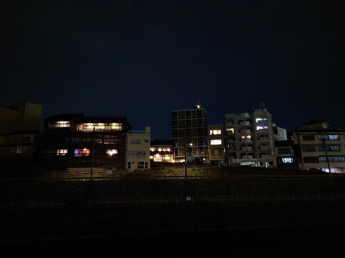 Xperia 1 IIIの夜景モード
