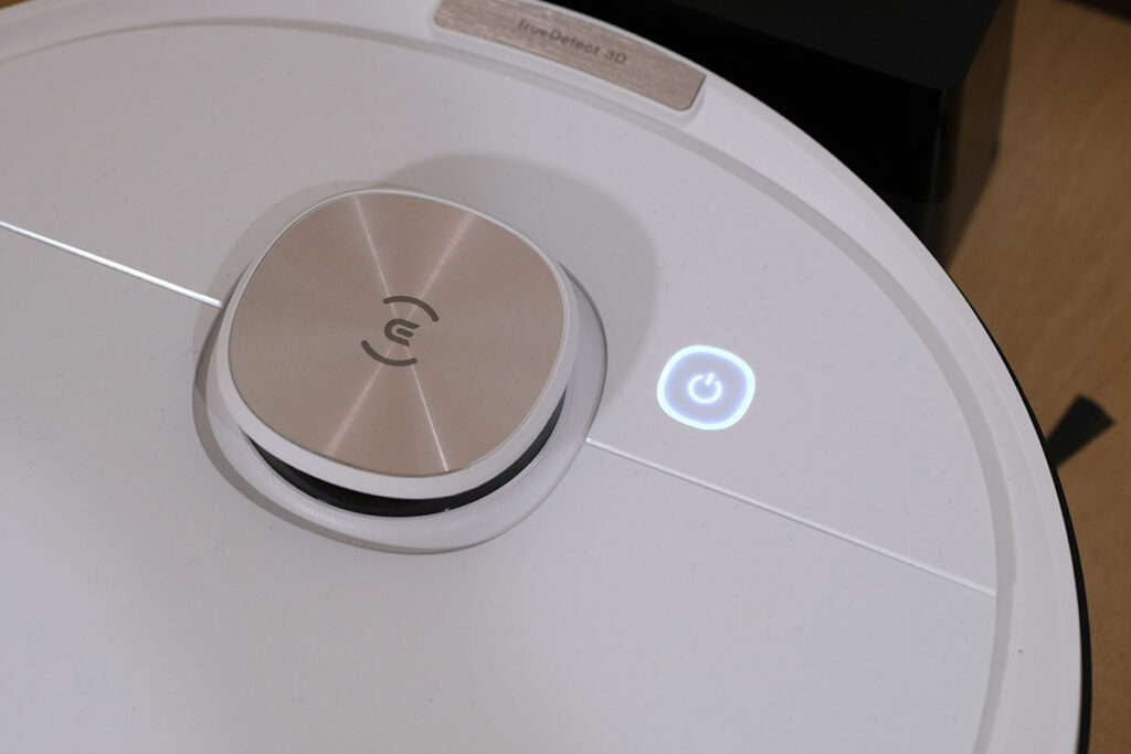 DEEBOT OZMO T8 操作ボタン