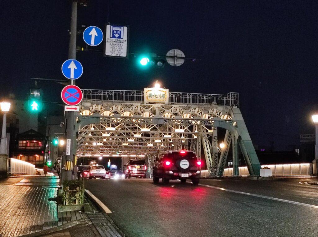 Mi 11 Lite 5G 夜間の橋を撮影