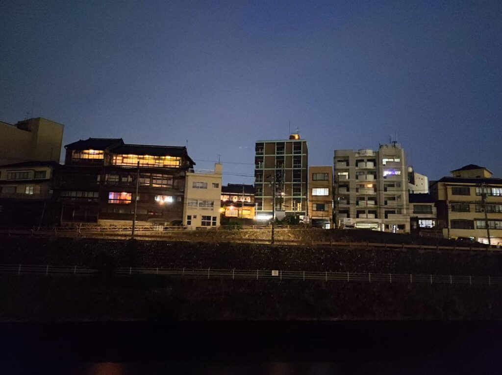 Mi 11 Lite 5G 広角カメラ 暗いところで撮影