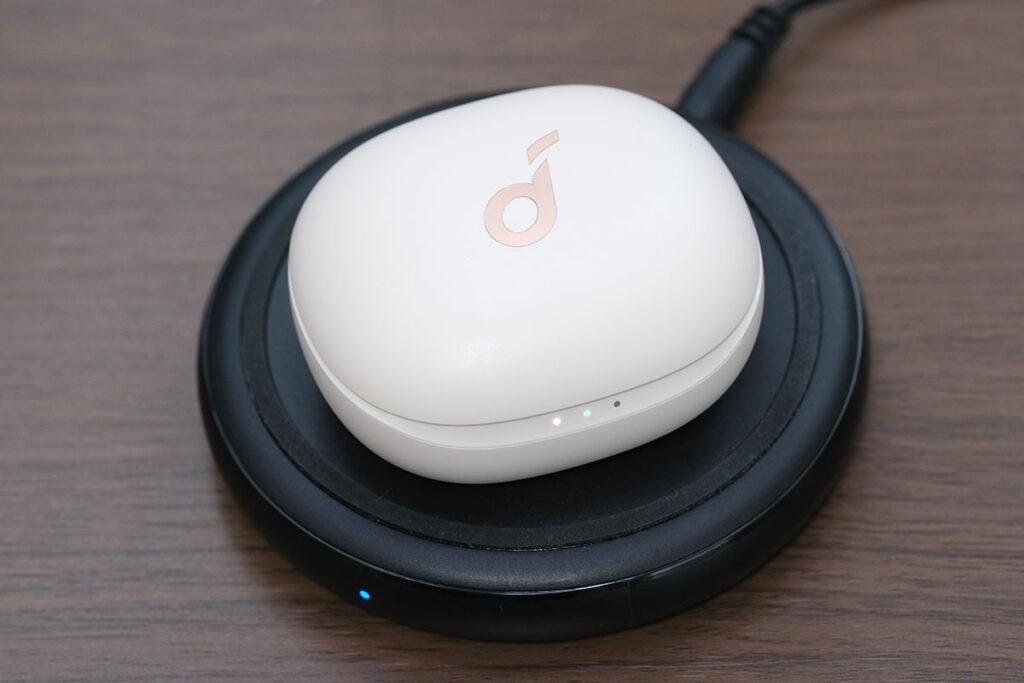 Soundcore Life P3 ワイヤレス充電に対応