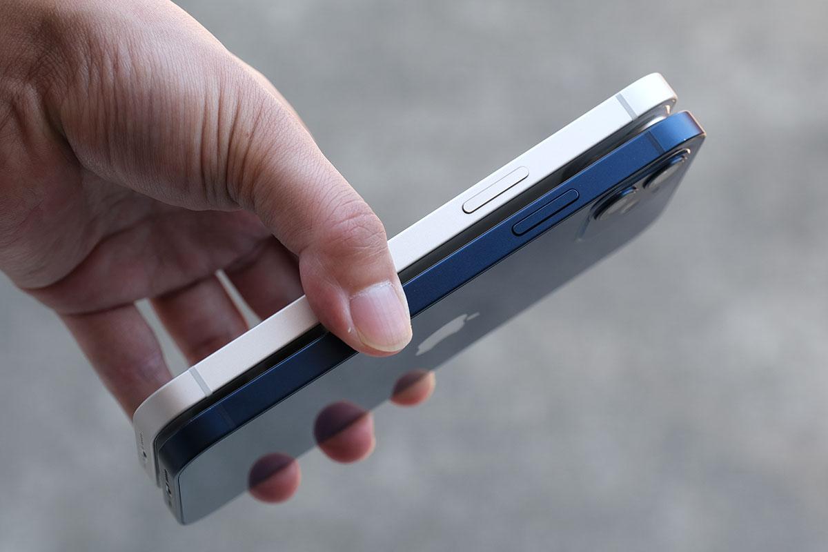 iPhone 12とiPhone 13のサイドボタン配置
