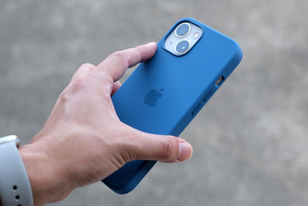 iPhone 13 シリコンケース