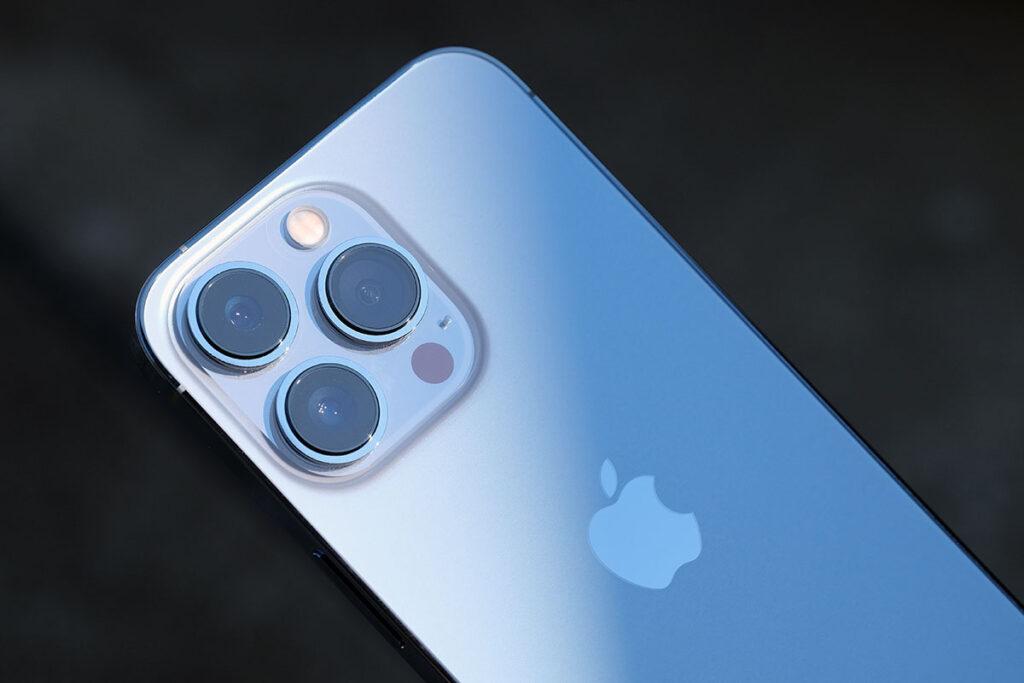iPhone 13 Pro トリプルカメラ