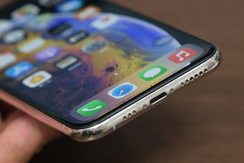 iPhone XS Lightningポート