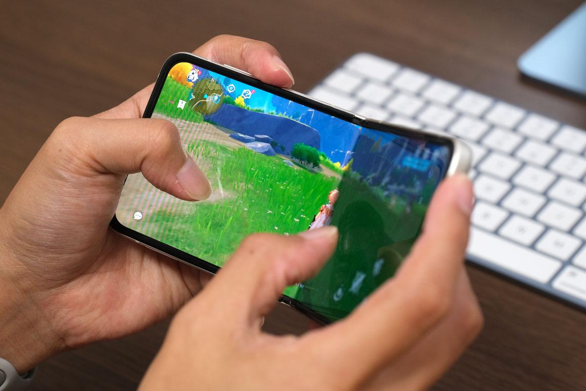 Galaxy Z Flip3 ゲームをする