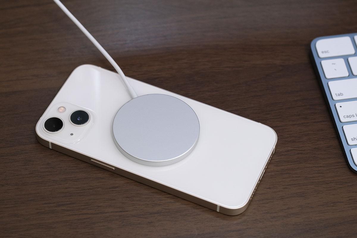 iPhone 13 + MagSafe充電器