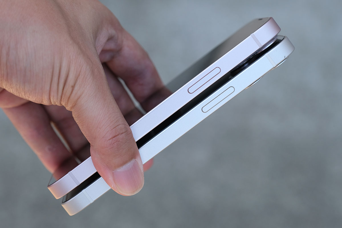 iPhone 13 mini・12 mini サイドボタン比較