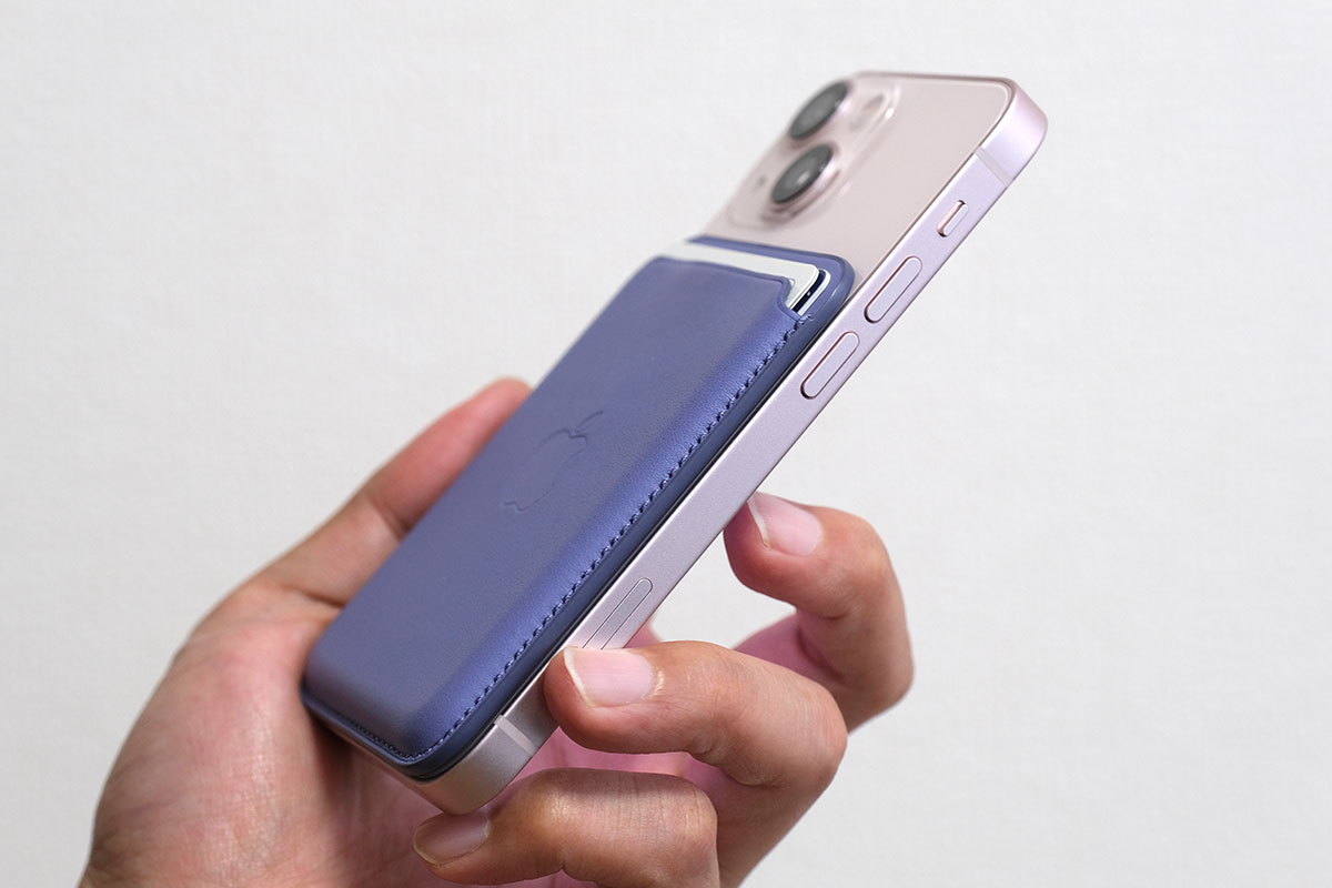iPhone 13 + MagSafeレザーウォレット