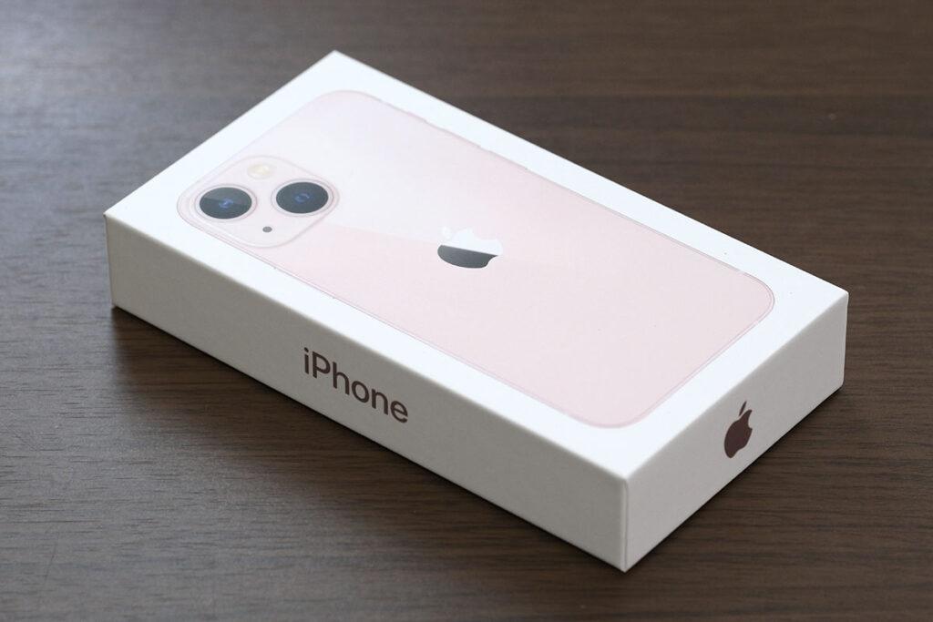 iPhone 13 mini パッケージデザイン