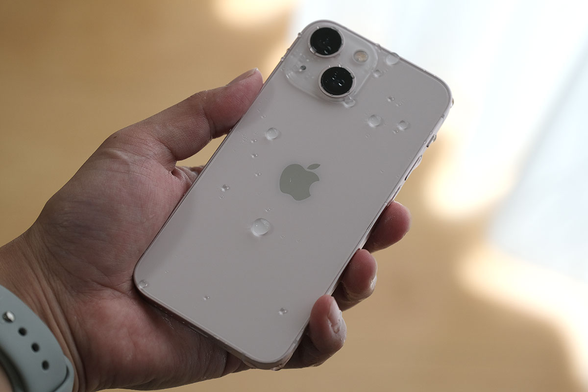 iPhone 13 耐水性能